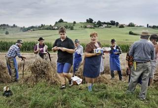 Tradicionalna žetev na Jurovskem Dolu/ Traditional Harvest in